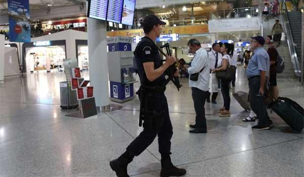 Νομοσχέδιο φέρνει ηλεκτρονικό φακέλωμα των επιβατών όλων των πτήσεων