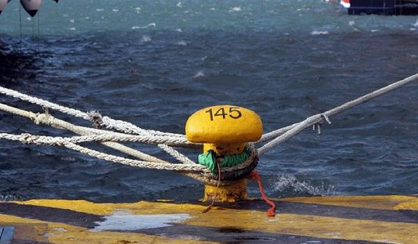 Παραμένει το απαγορευτικό απόπλου από το λιμάνι του Πειραιά