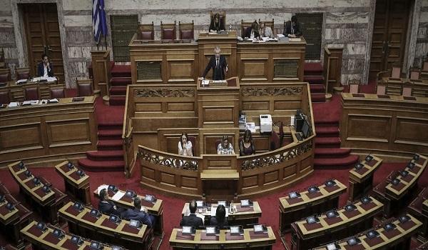 Υπερψηφίστηκε η τροπολογία για την άρση ασυμβίβαστου βουλευτή και υποψηφίου ευρωβουλευτή