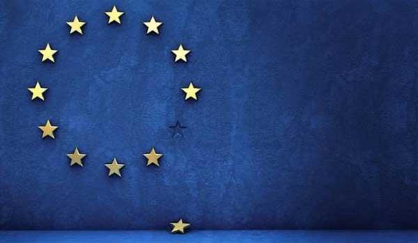 Διασπάται η Ευρωπαϊκή Ένωση: Εγκρίθηκε η συμφωνία για το Brexit