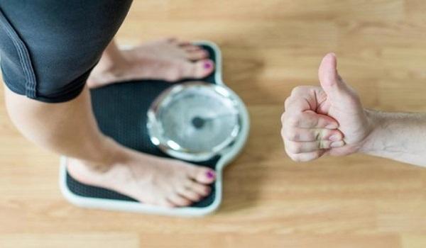 Πώς θα χάσεις τα κιλά που πήρες στις διακοπές, χωρίς να πεινάσεις