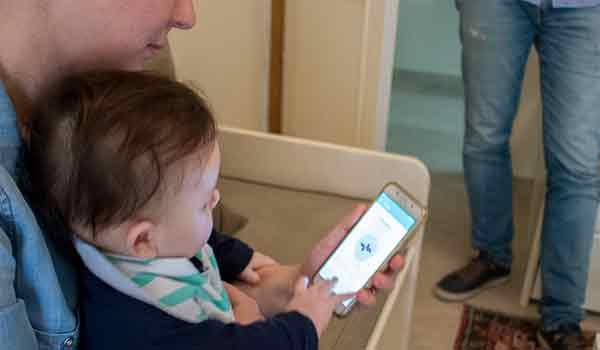 Φοιτητές του ΑΠΘ έφτιαξαν εφαρμογή που διαβάζει το κλάμα του μωρού