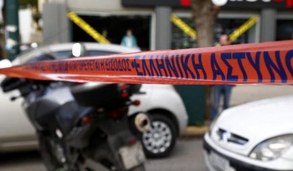 Έγκλημα στη Καλλιθέα: Οι κάμερες ασφαλείας καίνε τον εν διαστάσει σύζυγο