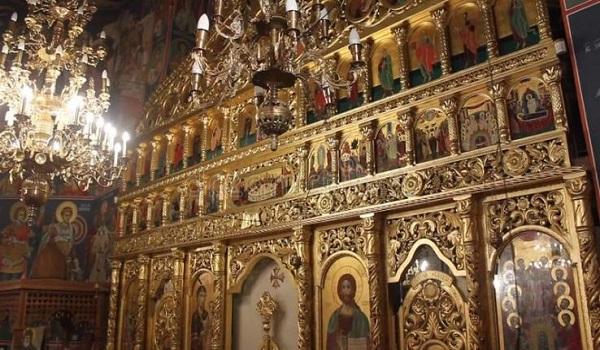 Σκάνδαλο σε εκκλησία στον Τύρναβο: Άφαντος ο ιερέας, οι εικόνες και 140.000 ευρώ!