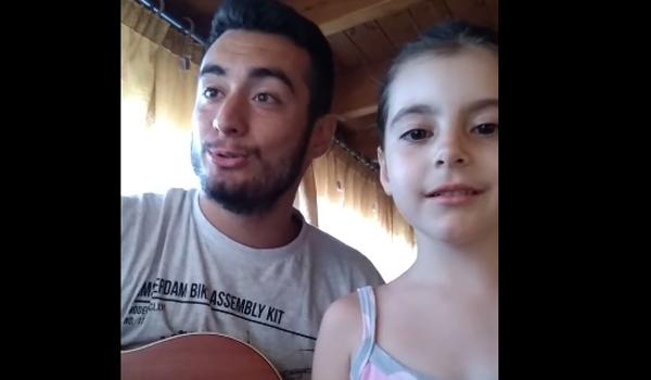 H 5χρονη κρητικοπούλα τραγουδά Της αγάπης και του Έρωτα ως άλλη Αρετούσα