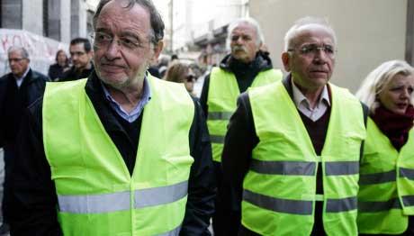Και ο Παναγιώτης Λαφαζάνης στις πορείες στο Παρίσι με τα Κίτρινα Γιλέκα