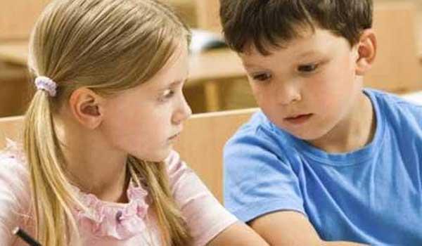 Τι κάνετε όταν ο γιος σας δείχνει ενδιαφέρον για ένα κοριτσάκι