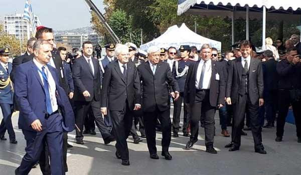 Θεσσαλονίκη: Η άφιξη του Προκόπη Παυλόπουλου και του Σέρτζιο Ματαρέλα στη στρατιωτική παρέλαση