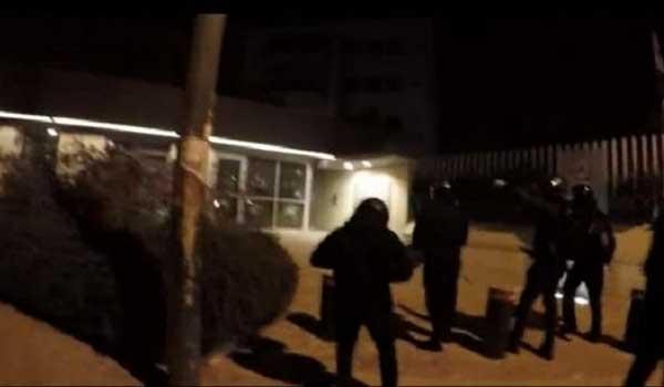 Το βίντεο της επίθεσης του Ρουβίκωνα στην πρεσβεία του Καναδά