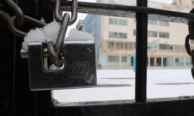 Κλειστά λόγω εποχικής γρίπης τα σχολεία σε Σαμοθράκη και Καλάβρυτα