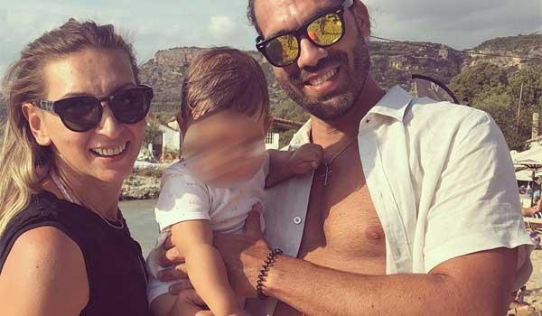 Φανή Χαλκιά: Βάφτισε τον γιο της στην Μάνη