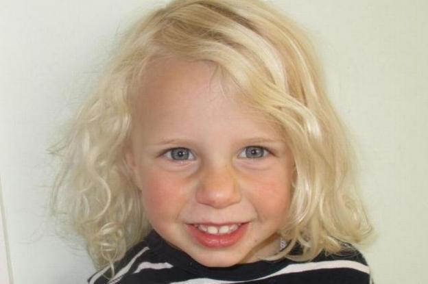 Δασκάλα έπνιξε την τριών ετών κόρη της στη μπανιέρα