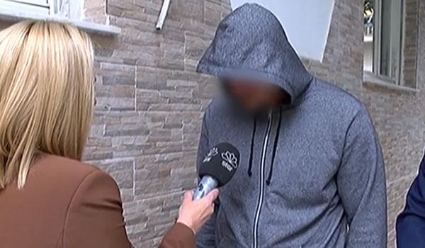 Παραδόθηκε ο οδηγός που εγκατέλειψε τη 18χρονη στη Θησέως
