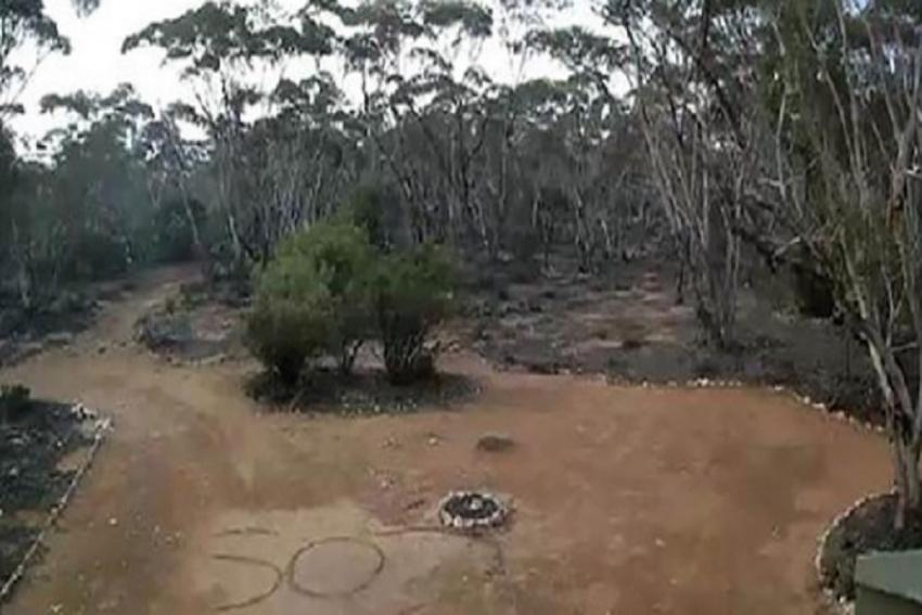 Αυστραλή χάθηκε στην έρημο και σώθηκε χάρη στο μήνυμα που έγραψε στην άμμο