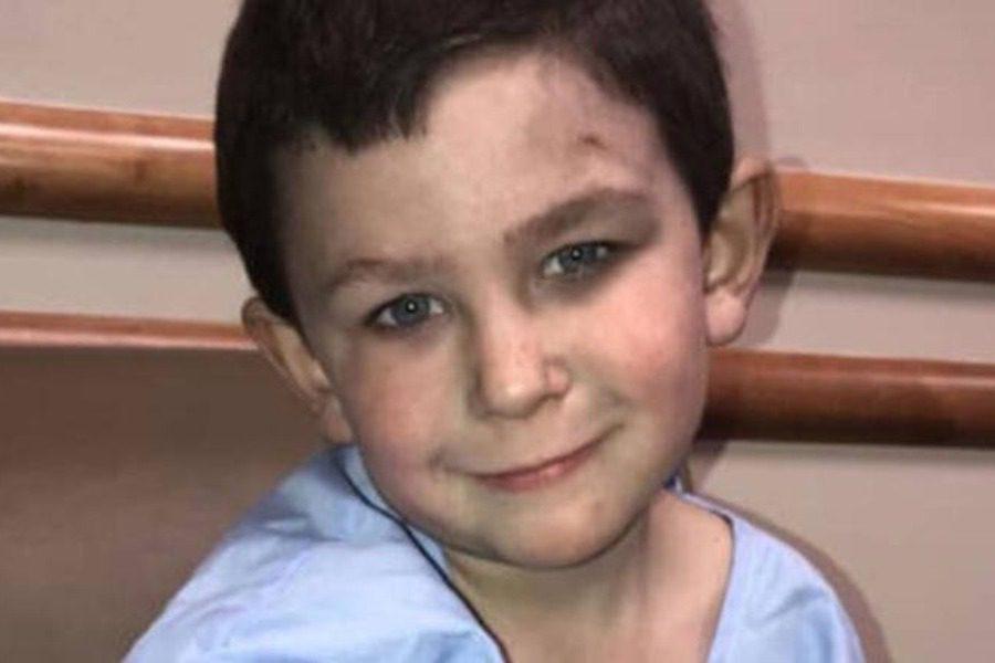 5χρονος ήρωας έσωσε την αδελφή του από το φλεγόμενο σπίτι τους