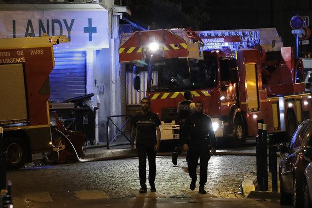 Φωτιά σε κτίριο στα περίχωρα του Παρισιού, με τουλάχιστον 19 τραυματίες