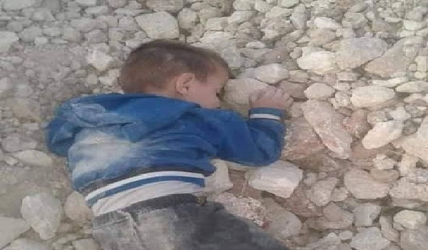 Άμαχος νεκρός στην Συρία ετών 6! Η φωτογραφία που κάνει το γύρο του διαδικτύου