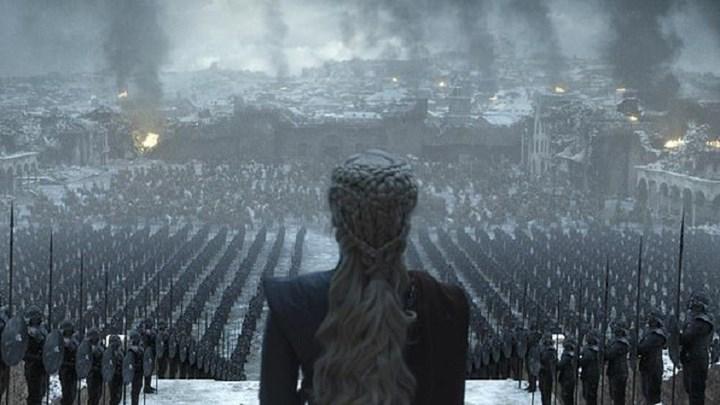 Αντίστροφη μέτρηση για το τελευταίο επεισόδιο του Game of Thrones. Δύο νέες φωτογραφίες