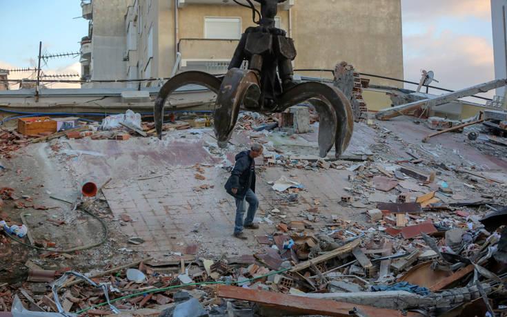 Φονικός σεισμός στην Αλβανία: Τουλάχιστον 31 νεκροί. Αγώνας στα συντρίμμια