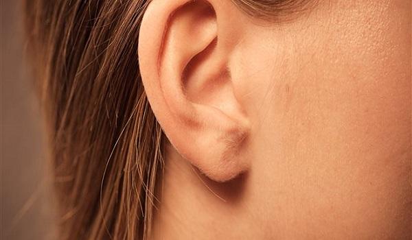 Αγριος καβγάς σε λαϊκή: Τον δάγκωσαν και του έκοψαν το αυτί