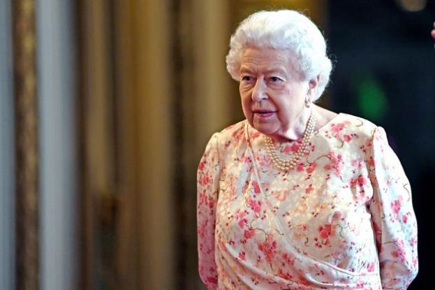 Γιατί η βασιλική οικογένεια της Βρετανίας είναι θυμωμένη με το The Crown του Netflix