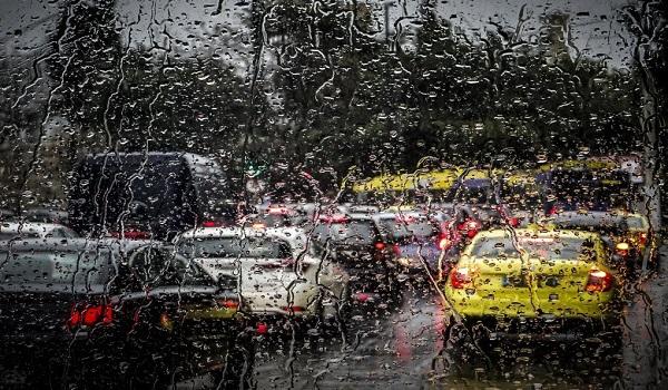 Επιδείνωση του καιρού προβλέπεται από σήμερα, Παρασκευή το απόγευμα. Καταιγίδες, χαλάζι και χιόνια
