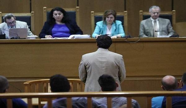 Δίκη Χρυσής Αυγής: Τους προδότες τούς σκοτώνουμε