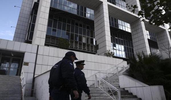 Επίθεση αντιεξουσιαστών στο εφετείο - Τέσσερις αστυνομικοί τραυματίες