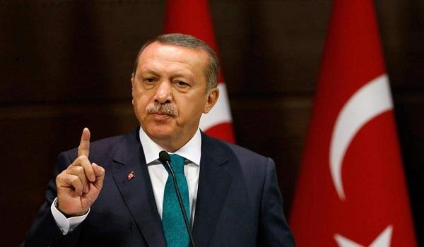 Ερντογάν: Βγάλτε δολάρια και ευρώ από τα στρώματα και αγοράστε λίρες