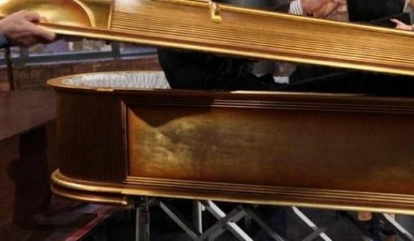 «Βγάλτε με έξω»: Η φωνή από φέρετρο την ώρα κηδείας