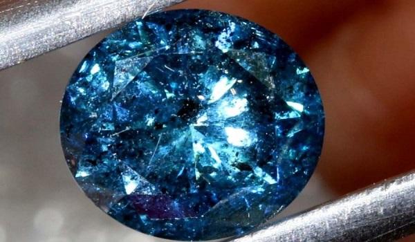Κινηματογραφική ληστεία στο Βόλο: Αφαντο μπλε διαμάντι αξίας 500.000 ευρώ