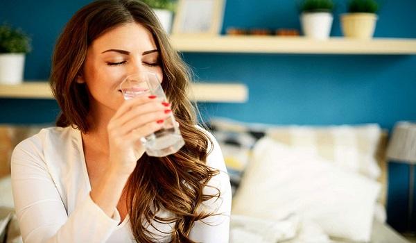 Μήπως έχεις κατακράτηση υγρών; Τα 4 σημάδια που το αποδεικνύουν