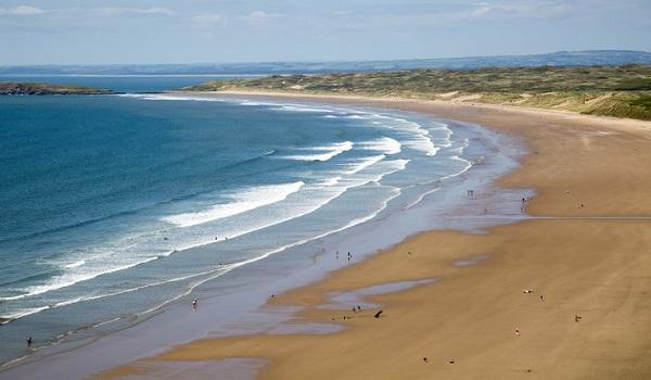 Μυστηριώδες πλάσμα ξεβράστηκε στις βρετανικές ακτές
