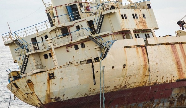 Το τσουνάμι έβγαλε ολόκληρο το πλοίο στην στεριά
