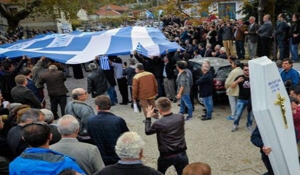 Προσαγωγές 12 ομογενών μετά την κηδεία του Κατσίφα