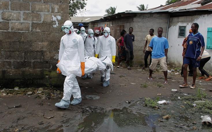 Συναγερμός και στη Ρουάντα για τον Έμπολα. Πώς μεταδίδεται, ποια τα συμπτώματα, τρόποι προφύλαξης