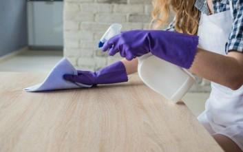 Αποπνικτική η ατμόσφαιρα έως την Παρασκευή με ζέστη, αφρικανική σκόνη και βροχές