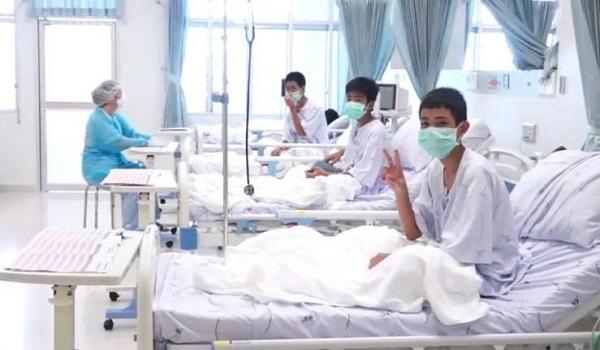 Ταϊλάνδη: Οι πρώτες εικόνες των παιδιών μέσα στο νοσοκομείο