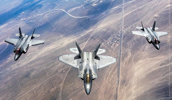 Μαζικές υπερπτήσεις τουρκικών F-16 πάνω από ελληνικά νησιά