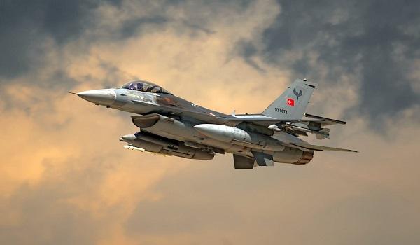 Τουρκικά F‑16 παρενόχλησαν ελικόπτερο που μετέφερε τον Α/ΓΕΣ
