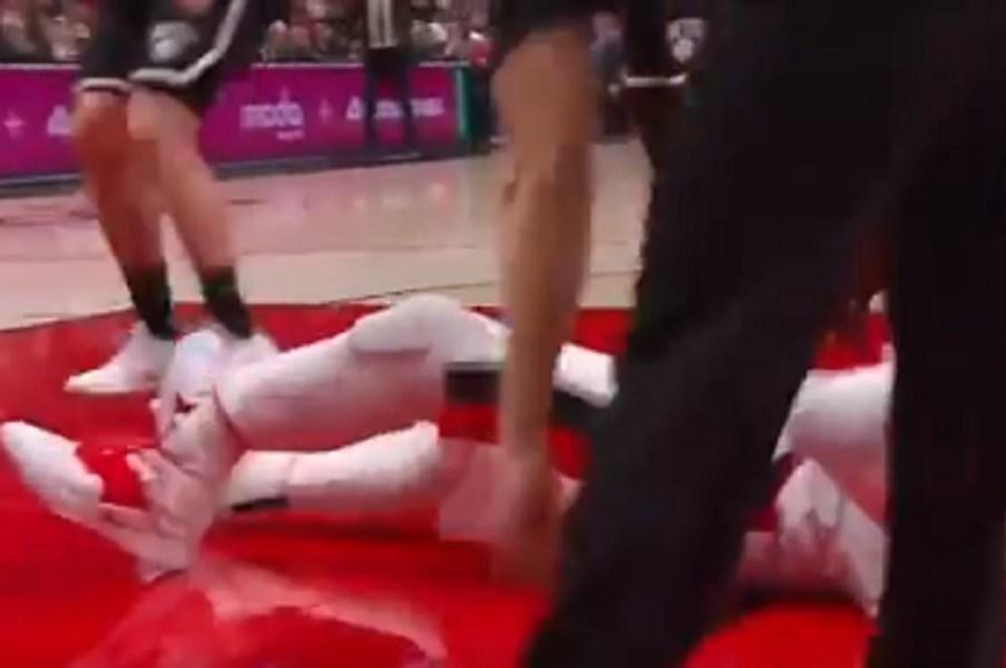 Φρικιαστικός τραυματισμός του Γιουσούφ Νούρκιτς. Σοκαρισμένος ο κόσμος του NBA