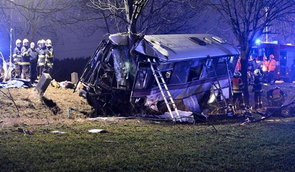 Τροχαίο με λεωφορείο στην Πράγα.  Τουλάχιστον 3 νεκροί και 30 τραυματίες