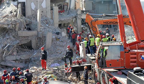 Σεισμός στην Τουρκία: Στους 38 οι νεκροί – Σταματά η επιχείρηση εντοπισμού και διάσωσης