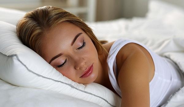 Eννιά απίστευτα πράγματα που σου συμβαίνουν όσο κοιμάσαι