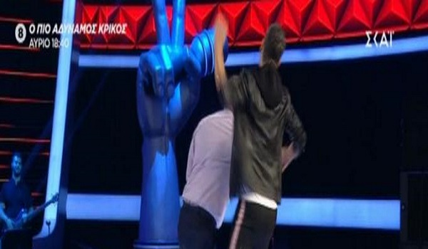 The Voice: Διαγωνιζόμενος έριξε μπουνιά στον Σάκη Ρουβά