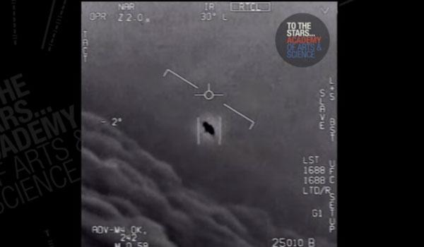 Διέρρευσαν βίντεο με αερομαχίες αμερικανικών μαχητικών με UFO!