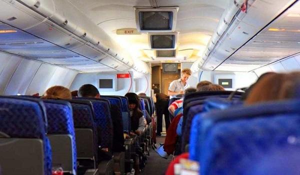 Συναγερμός στην EasyJet: Πιλότος εξέφρασε τάσεις αυτοκτονίας