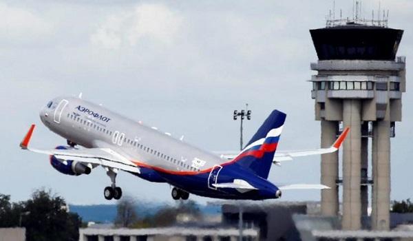 Γιατί χαμηλώνει ο φωτισμός στο αεροπλάνο πριν την απογείωση και την προσγείωση;