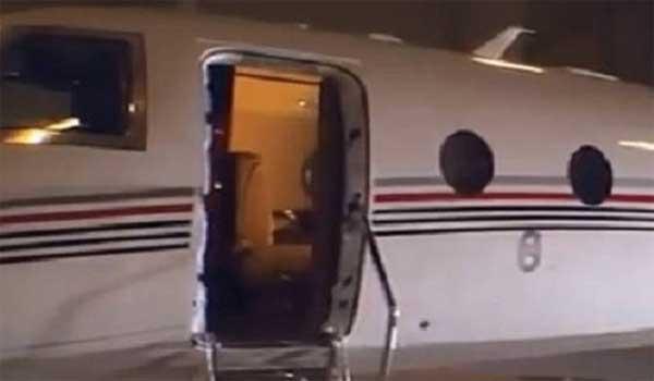 Πόρτα αεροσκάφους ξεκόλλησε και σκότωσε τον πιλότο