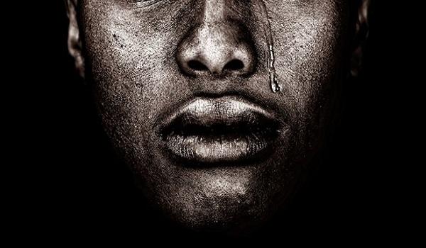 Φρίκη: Του έβγαλαν τα δόντια με πένσα - Ρατσιστική επίθεση στην Κύπρο